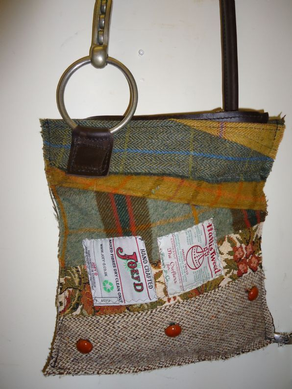 Horse Bit Bag, this would be pretty easy to make from scraps of fabric... or old horse blankets and other horse materials... bits, leather pieces, etc...