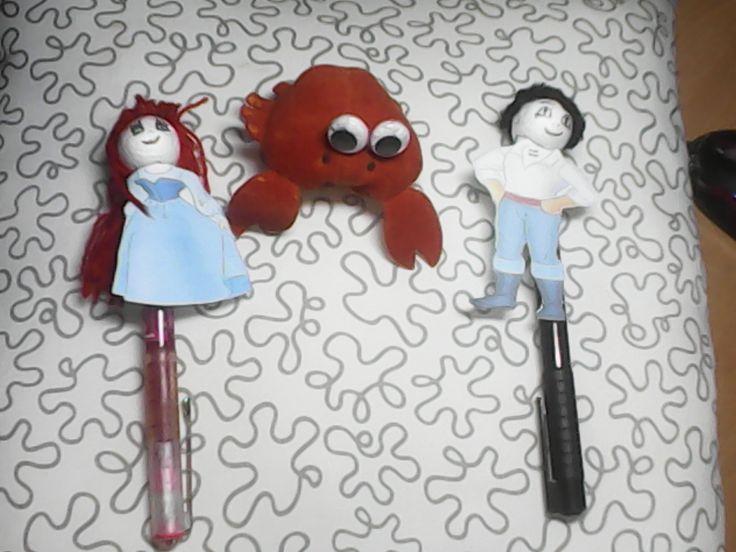 marionetas de dedo para representar una escena de la sirenita