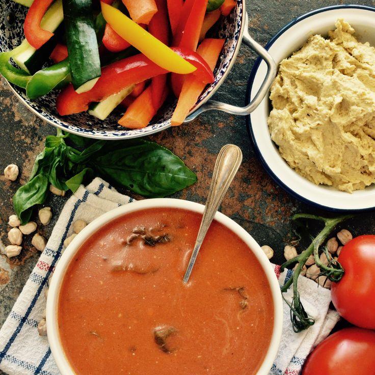 Tomatsoppa! Receptet finns i meny 5.  www.allaater.se