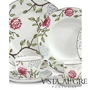 Beautiful porcelain set from Vista Alegre, Portugal