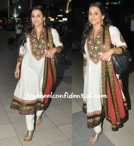 Vidya visited Hyderabad last week for 'Bobby Jasoos' promotions wearing a white Ritu Kumar suit with jewellery from Amprapali.