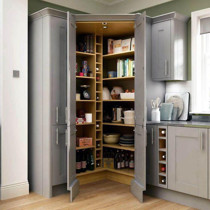 мун лунный угловые кухни с высокими напольными шкафами фото небольшого