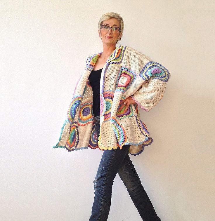 Taglie forti Cardigan maglione Beige donna con i cerchi all'uncinetto di subrosa123 su Etsy https://www.etsy.com/it/listing/213823407/taglie-forti-cardigan-maglione-beige