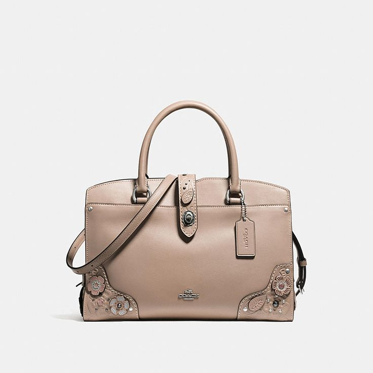 The Mercer has all the effortless cool of the Soho street it was named for. Slightly smaller than the original, the 30 is crafted in glovetanned leather and customized with our new Tea Rose Tooling design. The structured silhouette has a well-organized interior, multifunctional pockets and a removable crossbody strap.