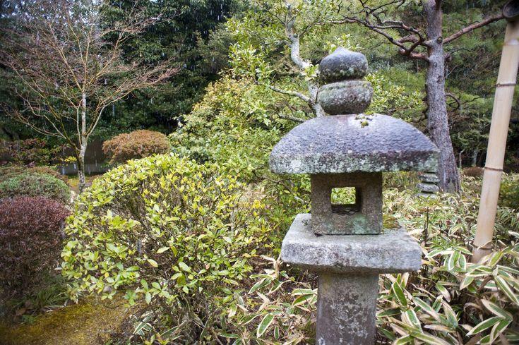 japanese_stone_lantern.jpg (3200×2129)