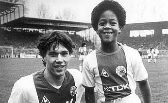 Van Basten and Kluivert in their younger years.