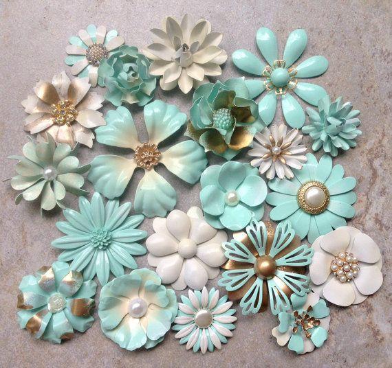 Seafoam Green Emaille Blume Brosche Menge 20 Metall Blume Broschen Mint Schmelz Pins Broschen Seafoam Creme Gold aus weißen Brosche Bouquet Partie