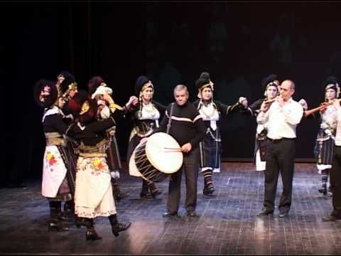 Roumlouki, Macedonia. Excellent example of the costume (And dance) of this area. Ρουμλούκι - Λυπιρίδα.avi - YouTube