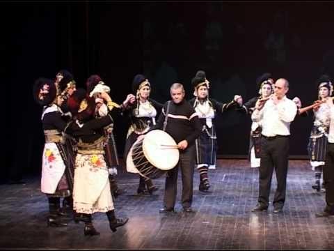 Roumlouki, Macedonia. Excellent example of the costume (And dance) of this area. Ρουμλούκι - Λυπιρίδα.avi - YouTube