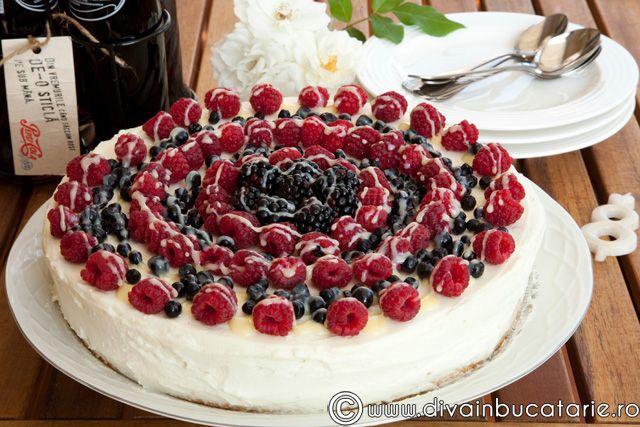 tort-cu-fructe-de-padure-3