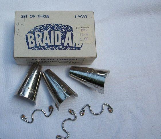 Vintage Braid Aid Rug Braiders In Original Box