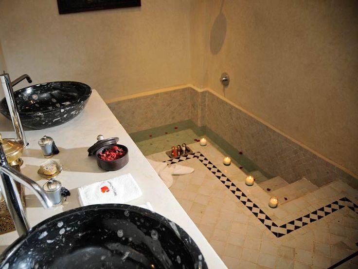 The 25 best ideas about sunken bathtub on pinterest for Sunken bathtub