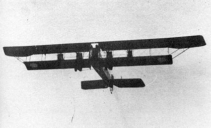 Илья Муромец Киевский в полете над аэродромом в Яблонне, 1915 год
