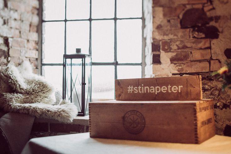 Kraftfullt novemberbröllop: Stina och Peter — Sisters in Law - Bröllopsblogg