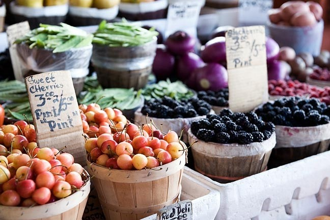 4 Reasons to Shop at The Farmers Market