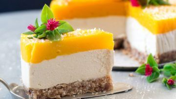 A wonderful vegan cheesecake recipe that will surprise everyone around you. The crust is made with dates, coconut and almonds, the cheesecake layer is made with cashews, coconut cream and ginger and then it has a fantastic mango layer. A super creamy, perfectly sweet and absolutely delicious cheesecake! #vegan #recipes #veganfood #cheesecake #cake #dessert