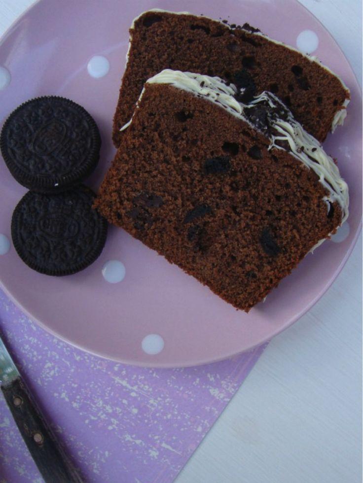 Recept OREO Chocoladecake! Cake!  De Oreo + Chocoladeliefhebbers kunnen hun geluk niet op. Deze Oreo Chocoladecake is een variatie op hetbasisrecept ...