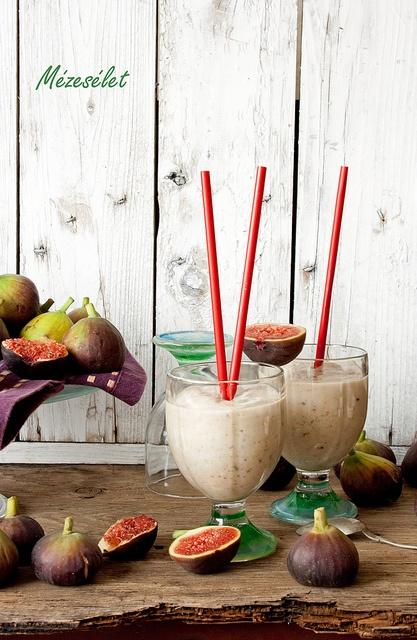 Fig-coconut shake