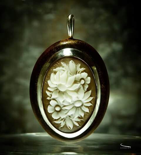 Ricardo Coacci Jewelry ~ Cameo Made in Napoli ~ Wood Jewelry #gioielli