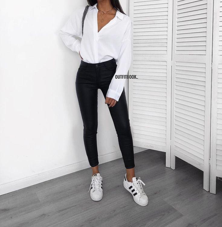 Mit einem schwarz-weißen Outfit können Sie nichts falsch machen. ✔️ Chemise / Shirt: 5009 | Pantalon / Hosen: H273N-1 | www.outfitbook.fr #Sneakers