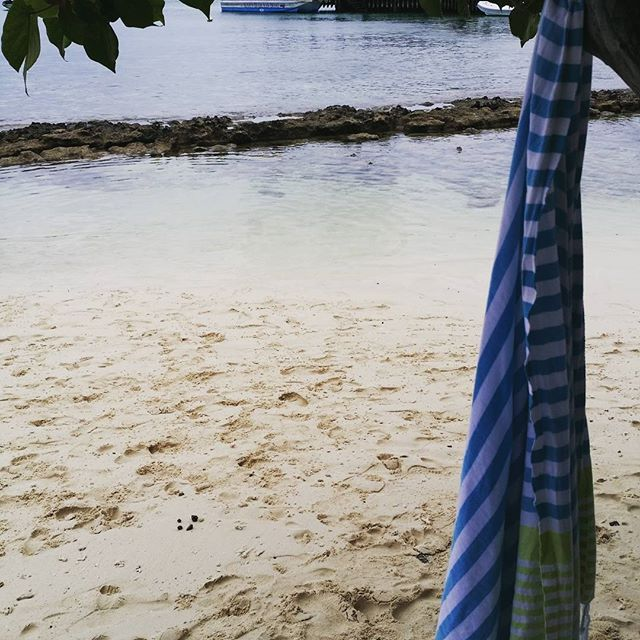 Best towels to take to an island with the kids. Just hang them on a tree branch to dry in between swimming. #sammimis #happylife #noumea #newcaledonia #turkishtowels #quickdry
