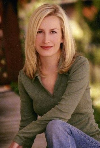 Pictures & Photos of Angela Kinsey - IMDb