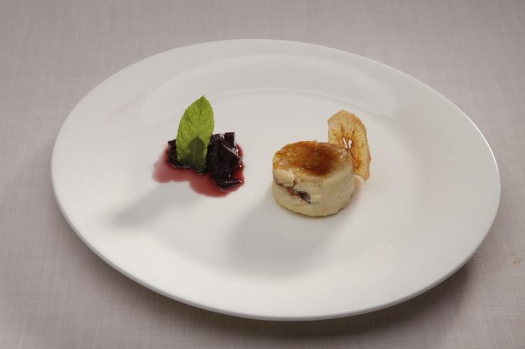 Cremoso de queso y pera a la menta con su peineta.   Restaurante Sandó by Arzak Instructions. Hotel Santo Domingo - Madrid. http://restaurantesando.es