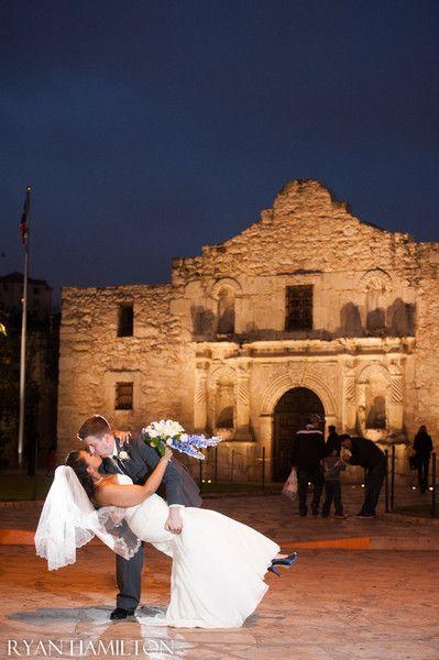 Outdoor Wedding At The Alamo In San Antonio Weddingvenue