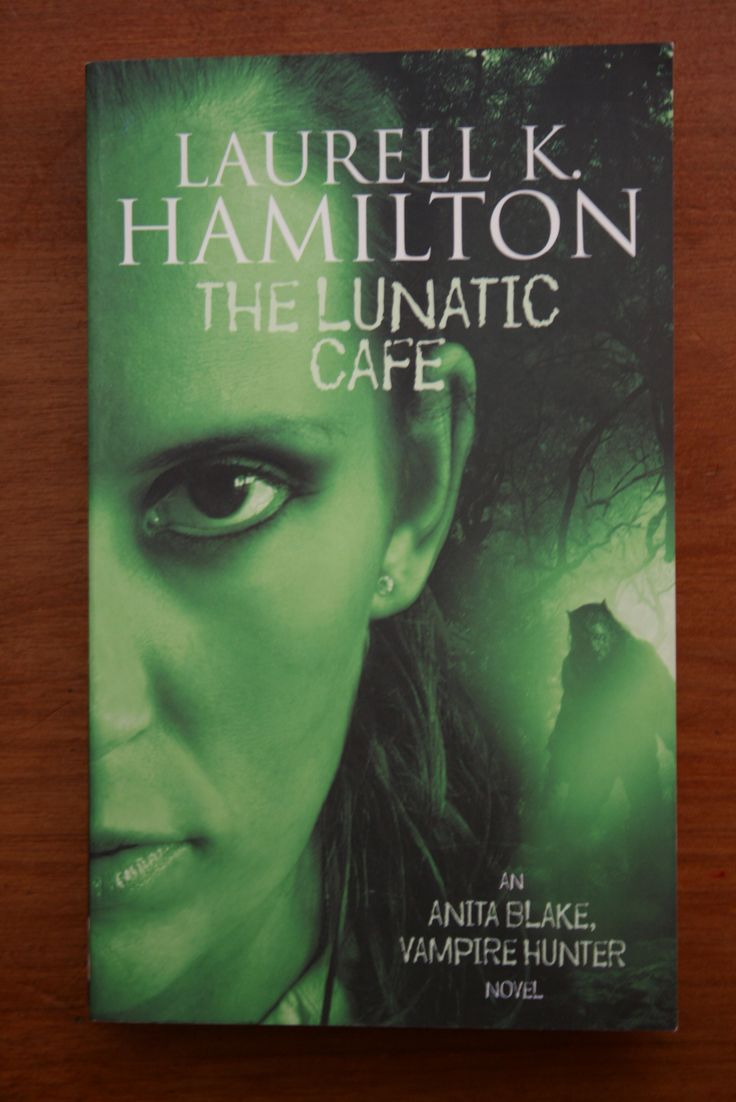 Fifth book in the Anita Blake series - and I'm still enjoying the tales.