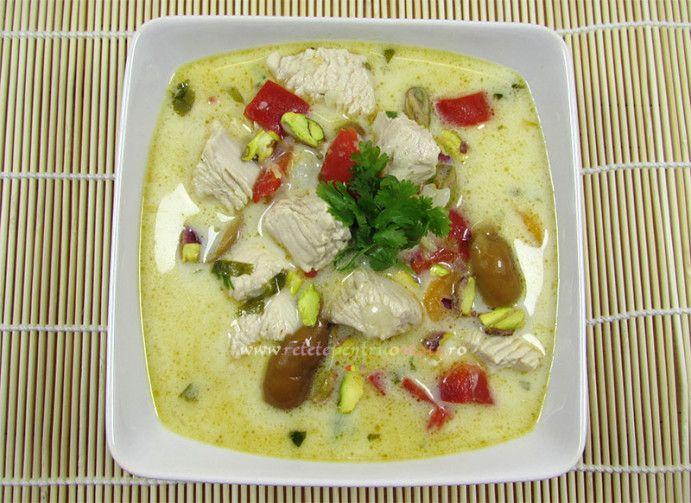 #Supa #thailandeza de pui este deosebit de gustoasa, o combinatie subtila de arome si gusturi exotice, preparata dupa o #reteta traditionala.