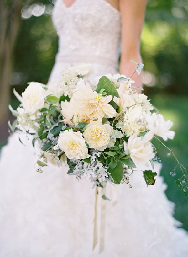 Tracy and Andrew Charlottesville, Virginia Wedding: Bouquets Photography, Bridal Bouquets, Green Bouquets, Dahlias Bouquets, Flower Shops, Weddings Bouquets, Villas Photography, Green Dahlias, Bouquets Flower