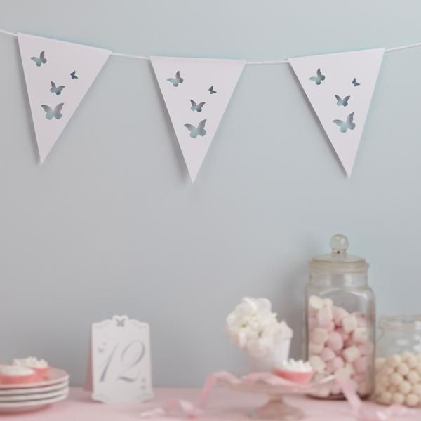 Girlande Wimpelkette mit Schmetterlingen in Weiß