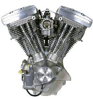 Evolution ou Blockhead  Cette fois c'est un moteur tout aluminium que la firme nous dévoile en 1984, l'étude faite en partenariat avec Porsche ne s'éloigne pas du Shovel, dont il reprend les caractéristiques, une cylindrée de 1340cc, alésageXcourse sont identiques: 88,9mmX107,95mm.  Ce moteur grâce à sa fiabilité permettra à la firme de redoré son image bien entamée par la qualité de production des années AMF. Vendu à plus d'un million d'exemplaires durant les quinze années de fabrication, l