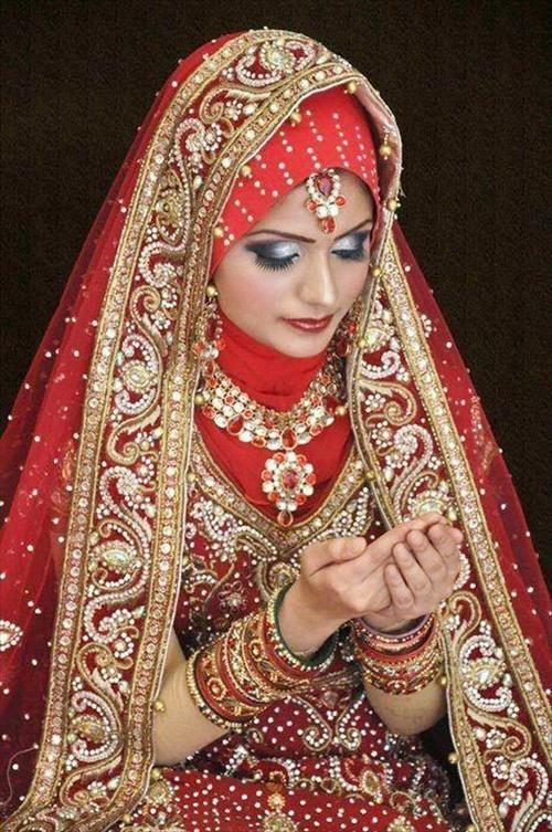 13 Hijab Bridal Dress for Muslim Girls