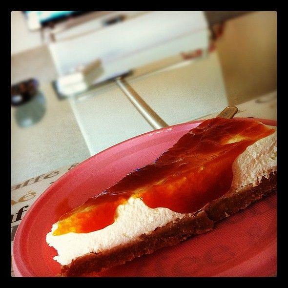 Cheesecake con marmellata di susine gialle fatta in casa