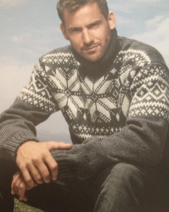 Mens Scandinavian Snowflake Sweater Pattern Etsy In 2020 Snowflake Sweater Sweater Knitting Patterns Sweater Pattern