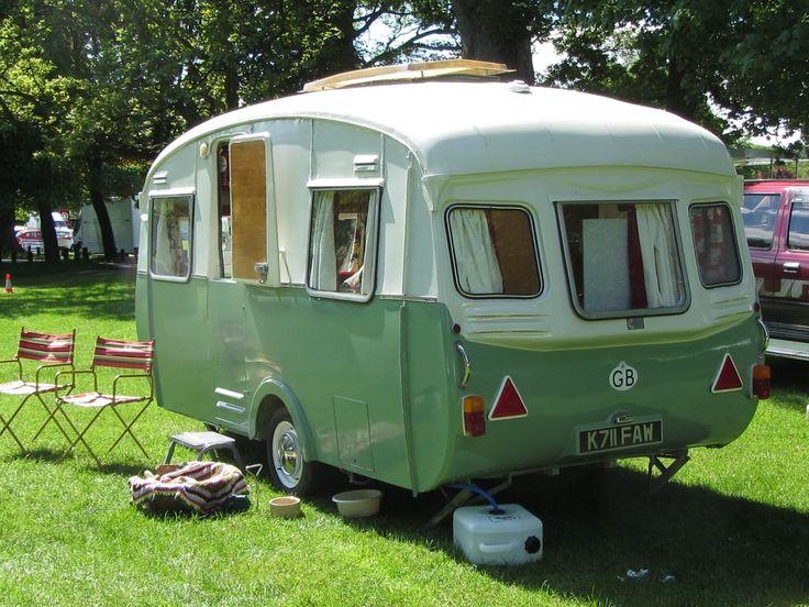 Dog Friendly Caravan Holidays + Tips for Caravan Travel