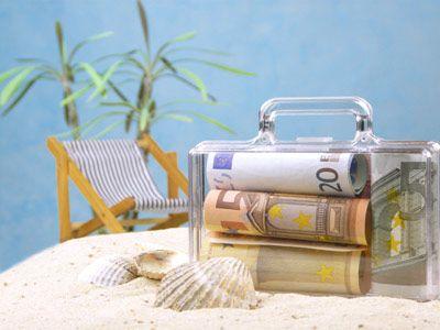 koffer geld strand Geldgeschenke zur Hochzeit schön verpacken