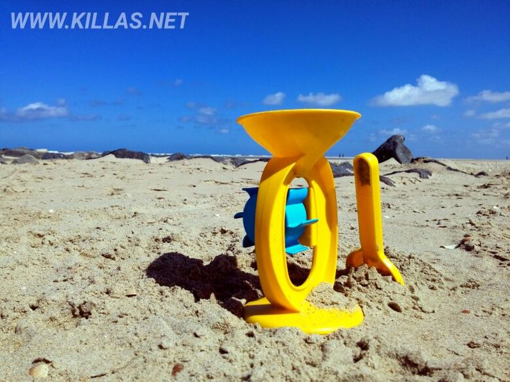 #Texel #Strand #Sandkasten #Sandmühle #Spielzeug #Sandstrand #bluesky #beach #beachlife #beachday #Meer #texelmomentje #texelpics #Niederlande #Holland #nederland #nordholland #netherlands