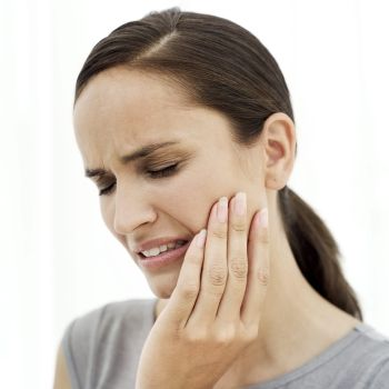 What are the symptoms of tooth decay? There are several tooth decay symptoms, such as pain, tooth sensitivity to heat, cold or touch, yellowing teeth, and development of cavities.