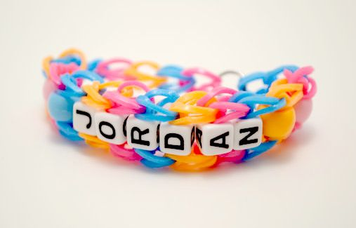 How-to: Personalized beaded rainbow loom bracelet.: Beaded Rainbow, Loom Ideas, Looms Bracelets, Bracelets Rainbow Loom, Loom Bands, Rainbow Loom Bracelets, Band Ideas, Bracelet Crafts, Bracelet Ideas