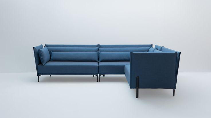 With its many details, NIU is a beauty. But its modules and generous depth make it a sofa made to adapt and made to share.