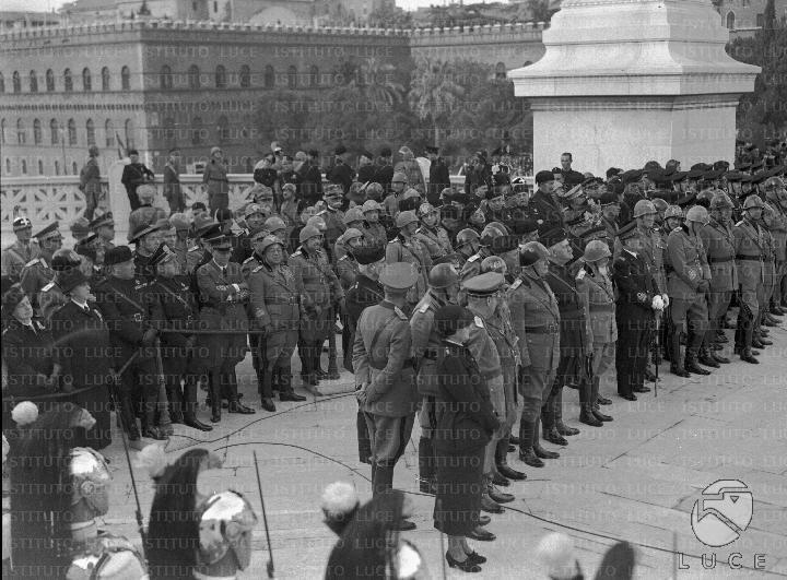 4 11 1938 Il Gruppo Composto Di Alte Cariche Dello Stato E Del