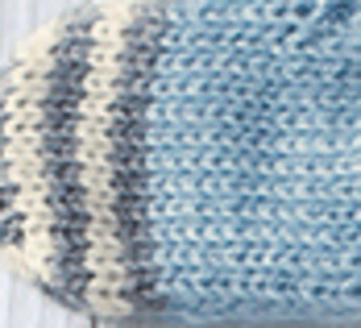 Pensez aux petites mains de bébé, et tricotez lui ses petites moufles toutes douces pour l'hiver. Tricoté en ' laine partner 3.5 ', il vous laissera un large choix d'association de couleurs. Modèle tricot n°14 du catalogue 93 : Layette automne hiver