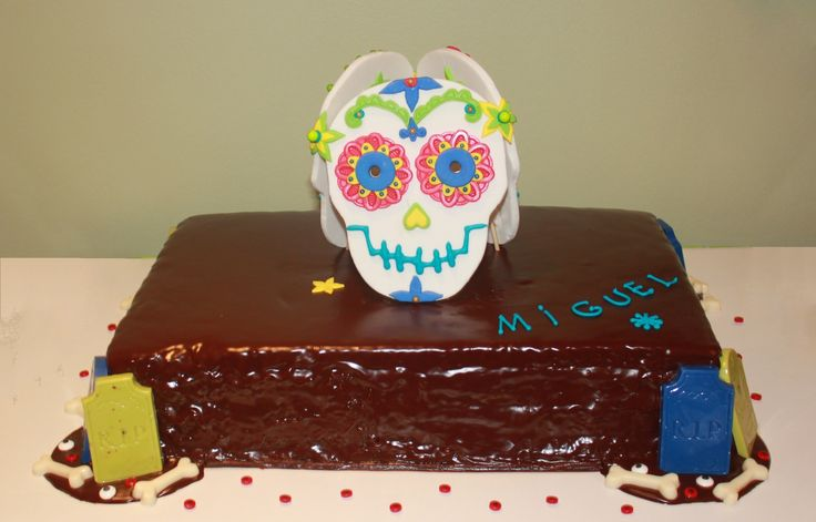 halloween cake chocolate lights