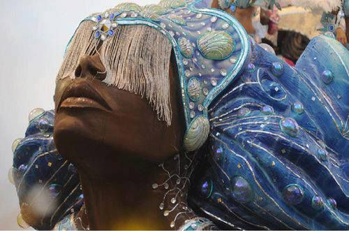 You that dance among the waves adorned with coral and your love flow plunges us in the ocean of wisdom. Cover us with your mantle of infinite compassion and teach us to flow with ease through life so in a time without time back to dwell in your belly. OMIOOOO YEMAYA! MAFEREFUN IYA YEMAYA!