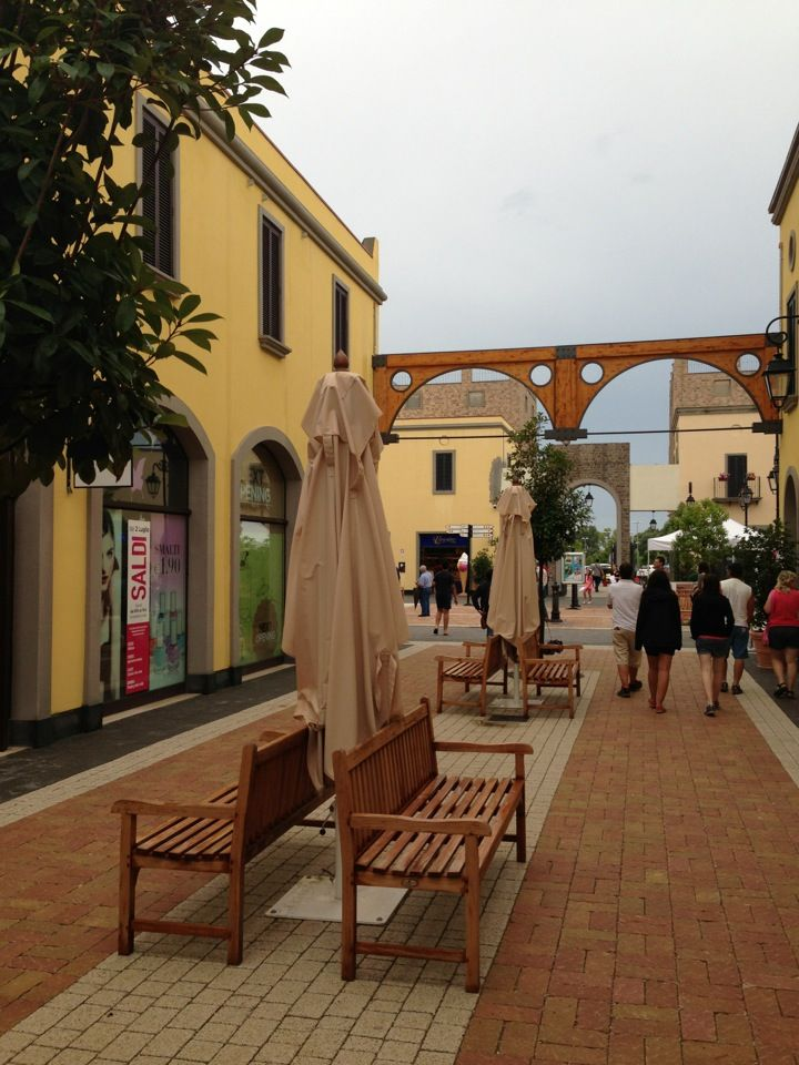 Shopping Italian brands, at Cilento Outlet Village! Book at www.savoybeachhotel.it