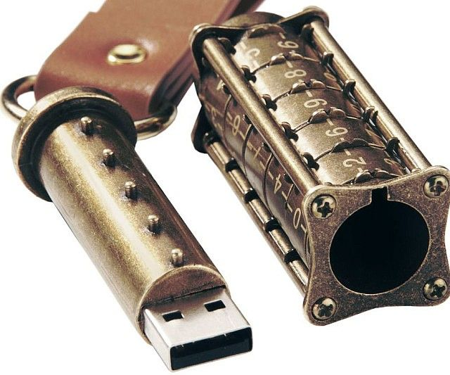 Ensure your data remains safe from prying eyes by storing in the mechanical combination lock USB drive. Engineered in accordance from sketches by Leonardo da Vinci, your information remains guarded by a 5 digit combination lock that's nearly impossible to crack.