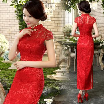 Red lace traditional Chinese wedding cheongsam