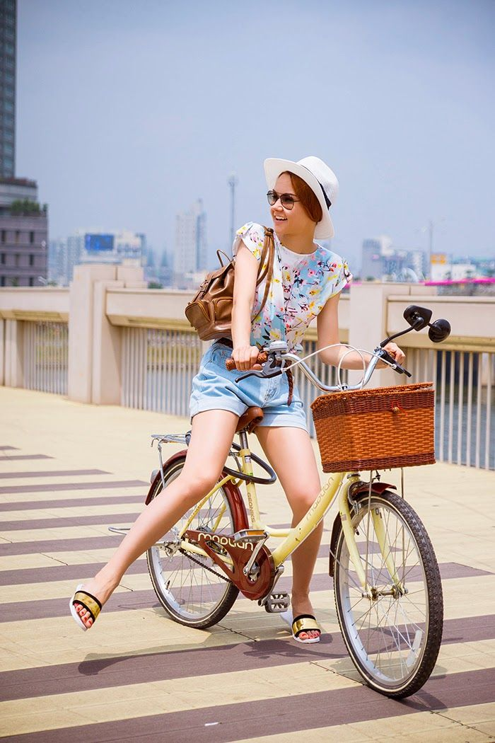 floral shirt  - cool cycling outfit